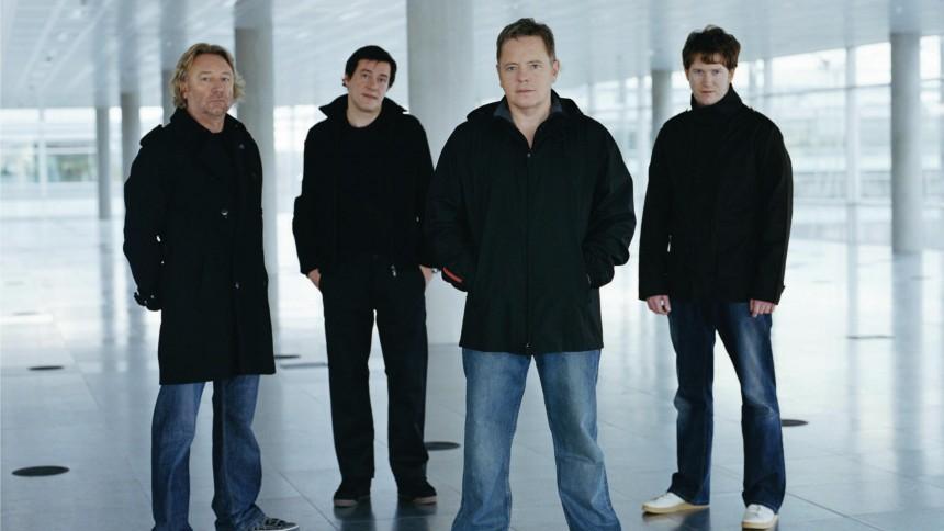 New Order vil udgive ep'er under tour