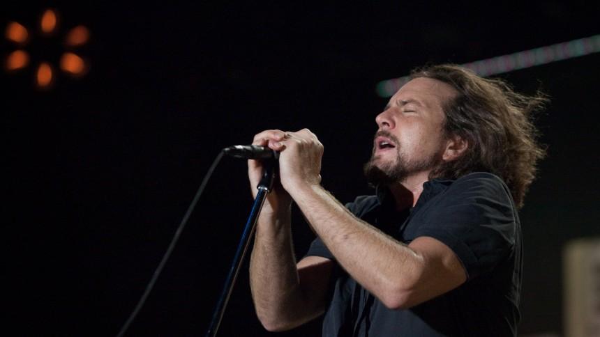 Se Pearl Jams nye, voldsomme musikvideo