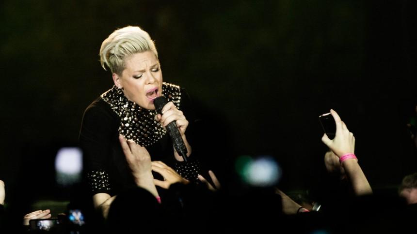 Pink giver dansk koncert
