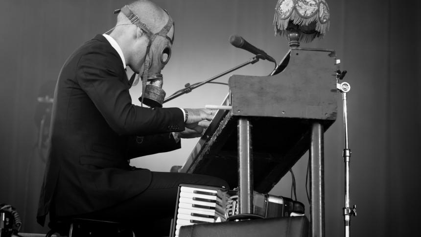Er der nogen, der kan låne Kaizers Orchestra-musiker et pumpeorgel?