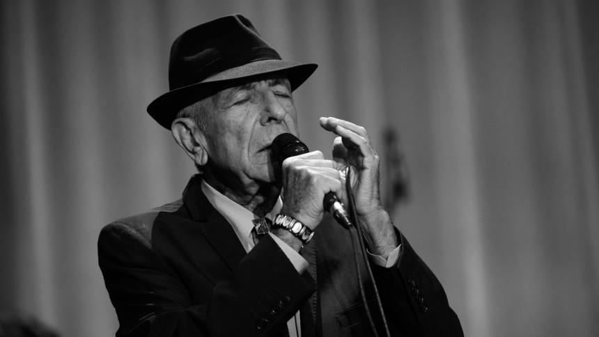 Leonard Cohen tager rørende afsked med muse og elsker