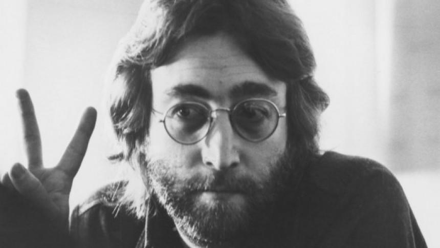 Lok af John Lennons hår til salg for en formue