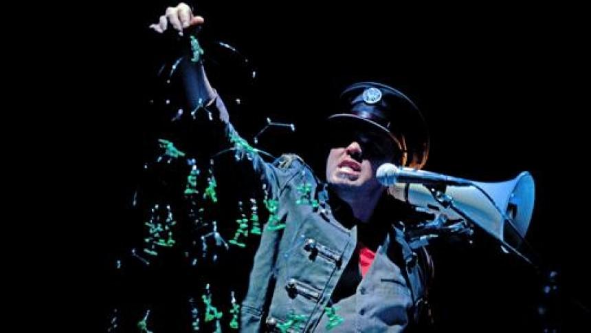 Oplev en one-man-rock-cabaret til Aarhus Festuge