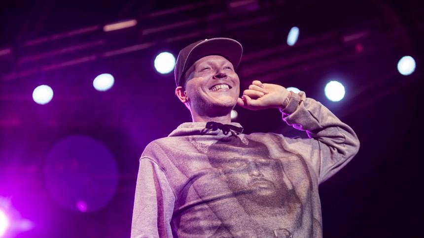 "Niels ""Niarn"" Roos drager på Danmarkstour"