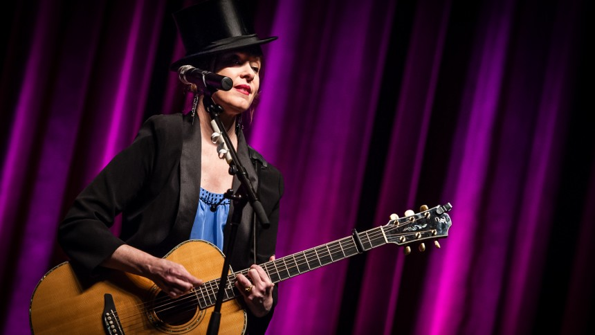 Suzanne Vega giver koncert i Danmark
