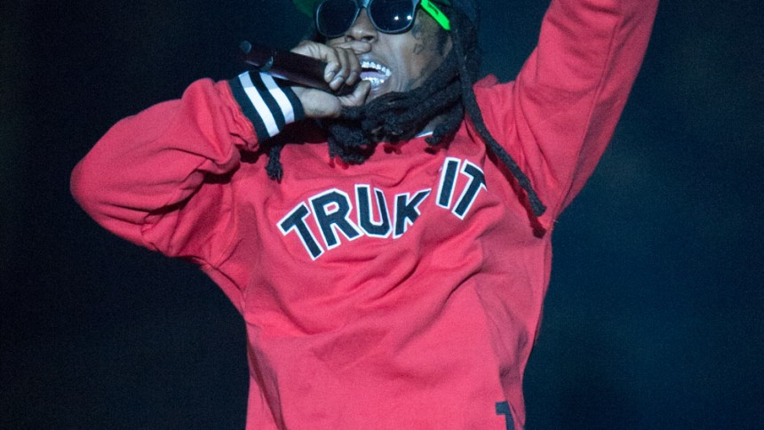 Lil Wayne disser sit pladeselskab i ny video