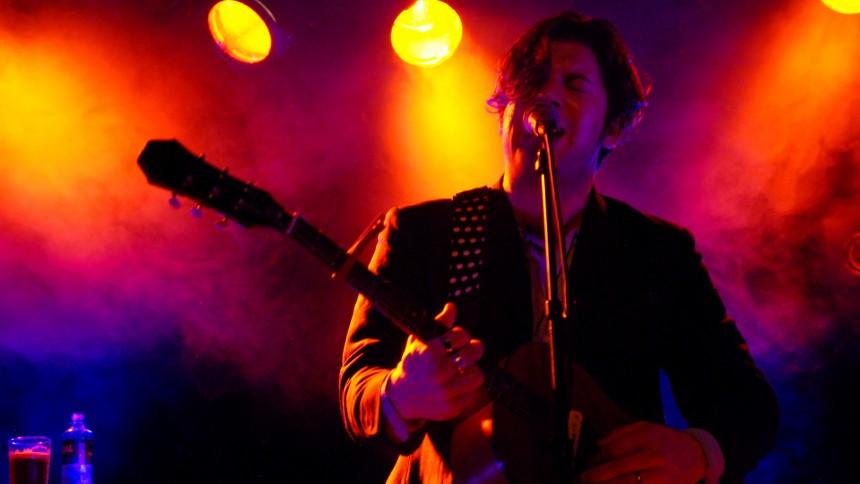 Ed Harcourt giver intim dansk festivalkoncert