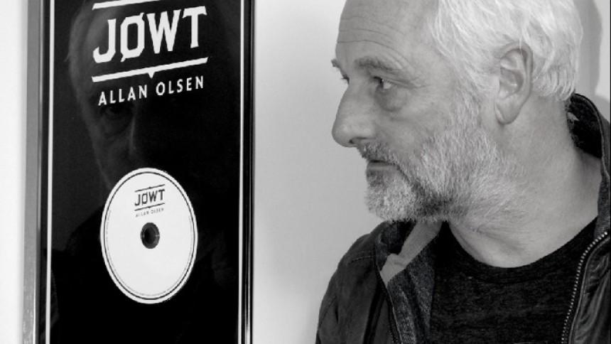 Allan Olsen sætter platinplade på Movember-auktion