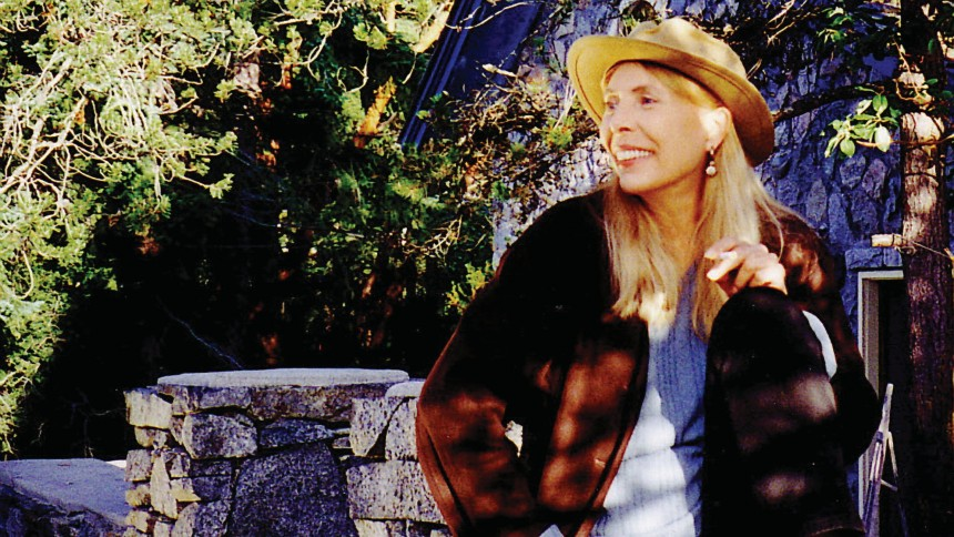 Joni Mitchell fylder 70