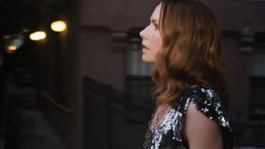 Nina Persson klar med video – soloalbum på vej