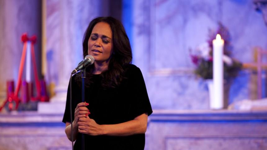 Jazzdivaen gjorde publikum høje på sang, nærvær og evangelium