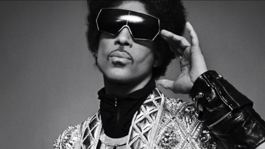 Prince skriver sin egen biografi