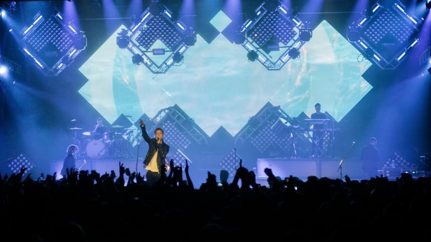 """Hør OneRepublics cover af """"Champagne Supernova"""""""