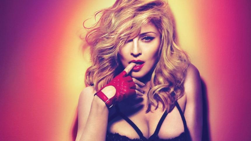 Billede: Madonna i nøgenstrid med Instagram