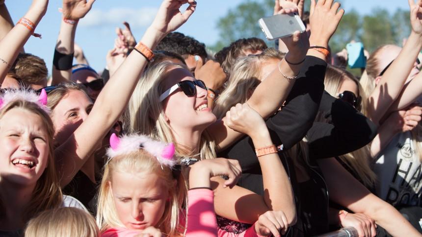 Jelling Musikfestival donerer største beløb nogensinde