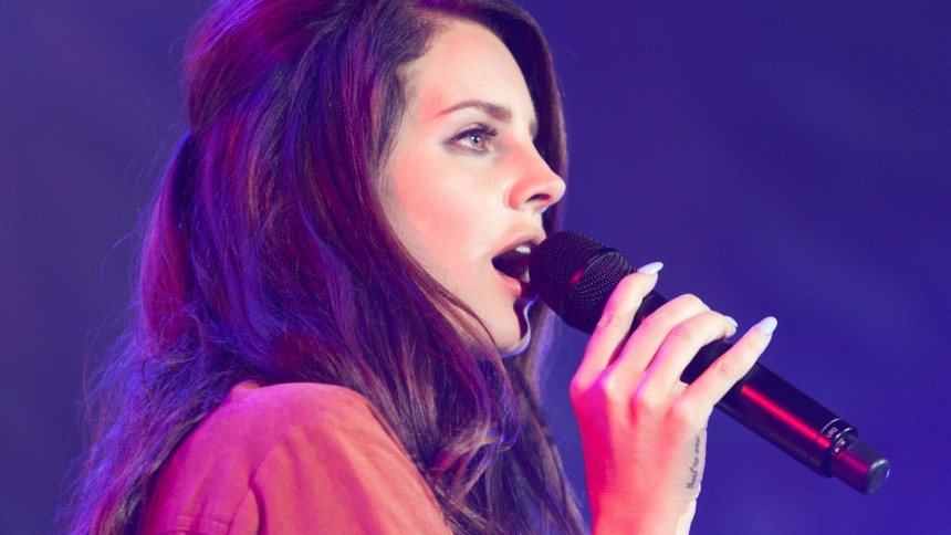 Hør Lana Del Reys nye klaverballade – med en lang, optimistisk titel
