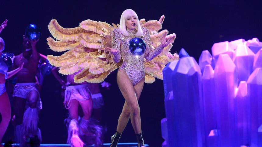 Lady Gaga og Pharrell optræder til Oscar-show