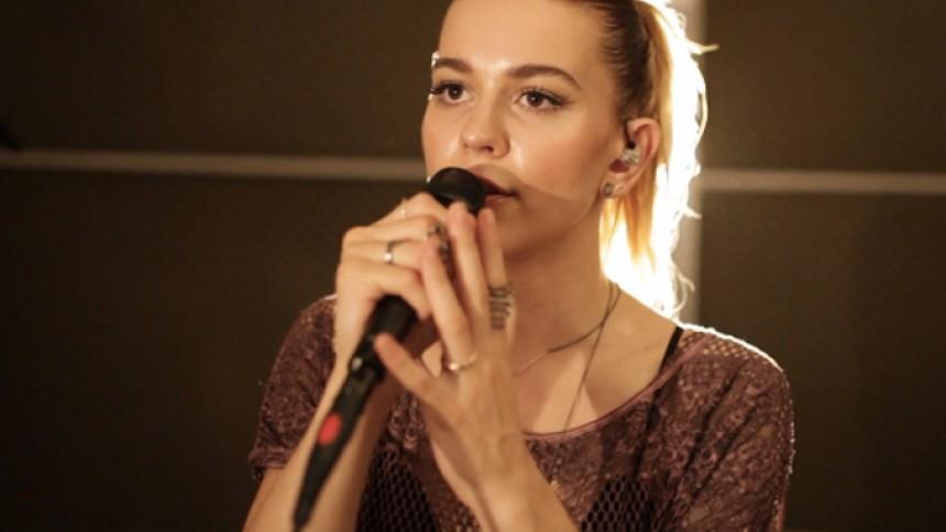 Emmelie de Forest tilbage i Melodi Grand Prix – for England