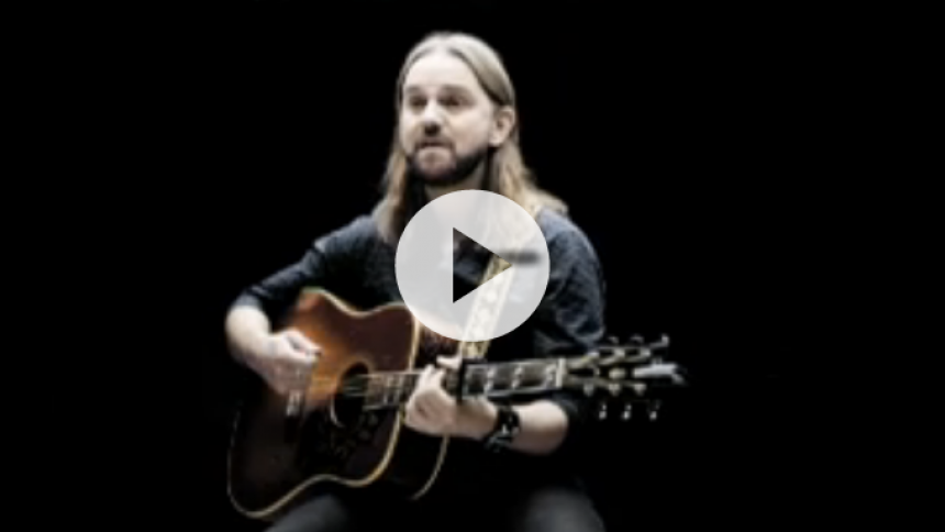 Hør Tim Christensens Knæk Cancer-sang