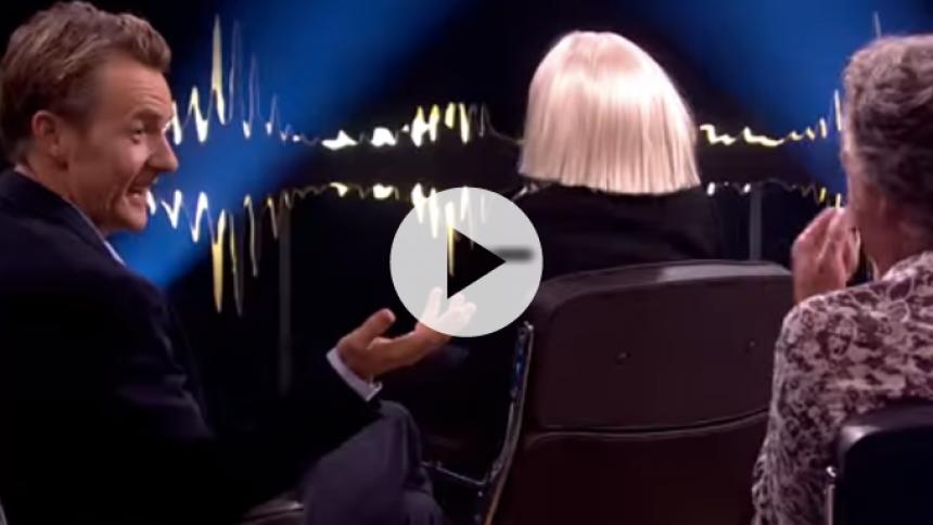 Bizart interview: Se Sia vende ryggen til