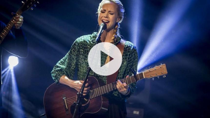 Video: Se Tina Dickow live til GAFFA-Prisen