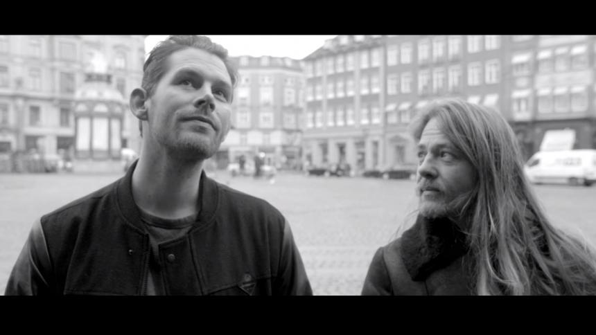 Ny video: Rasmus Seebach ser Tusind Farver