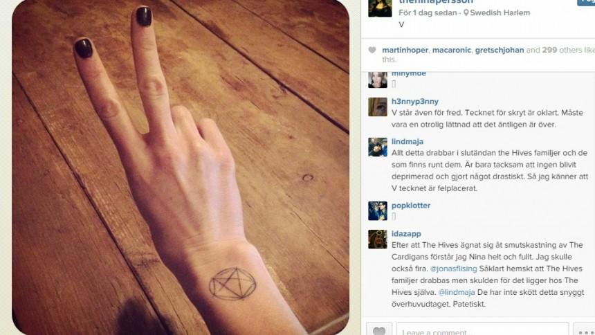 Nina Perssons V-tegn provokerer