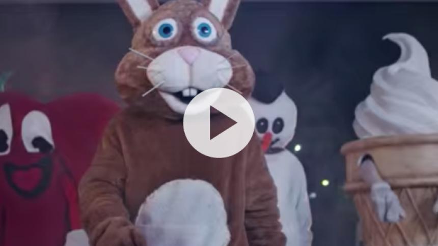Dyretema: Se voldelig kanin i Royal Bloods nye video