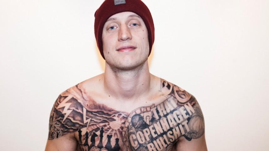 Fotoserie: Med Pede B til tatovøren