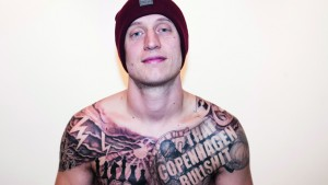 Med Pede B til tatovøren februar 2015