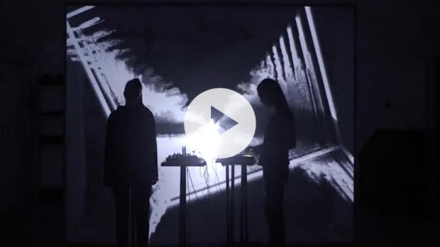 Se stemningsfuld video fra Sonar-aktuelle Smerz