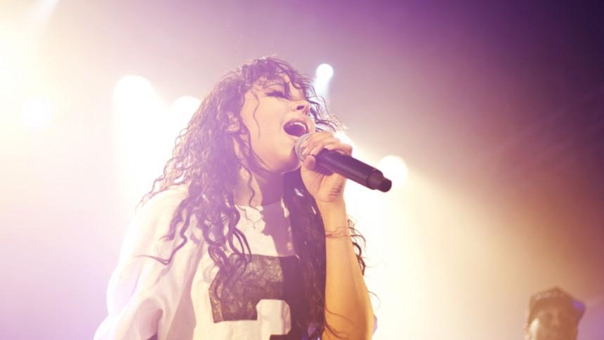 R&b-stjerneskuddet Tinashe kommer til Danmark