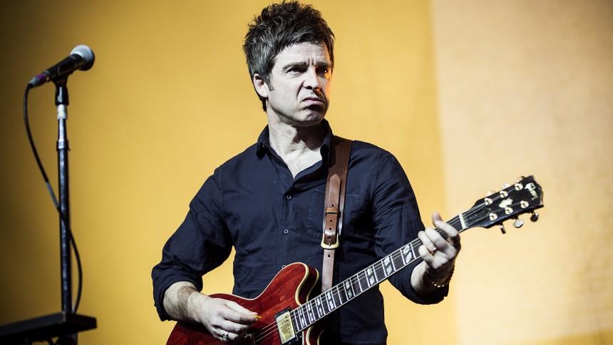 "Noel Gallagher om 25 år gamle ""(What's The Story) Morning Glory"" – ""Liam hadede Wonderwall"""