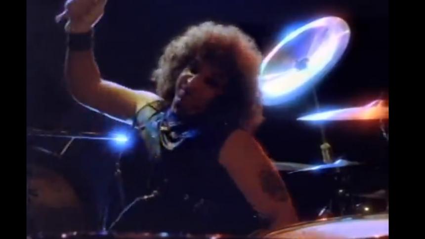 Heavy-metaltrommeslager pludseligt død