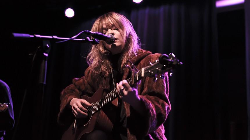 Jessica Pratt vender tilbage til Danmark efter udsolgt koncert