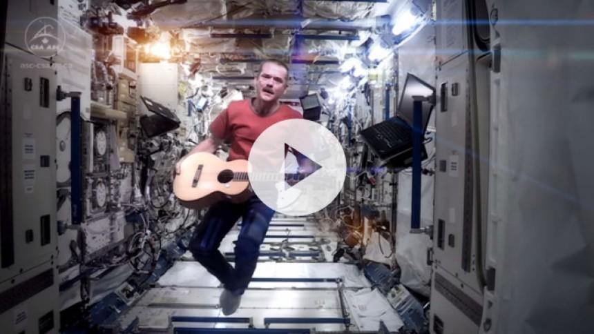 Chris Hadfield udgiver album indspillet i det ydre rum