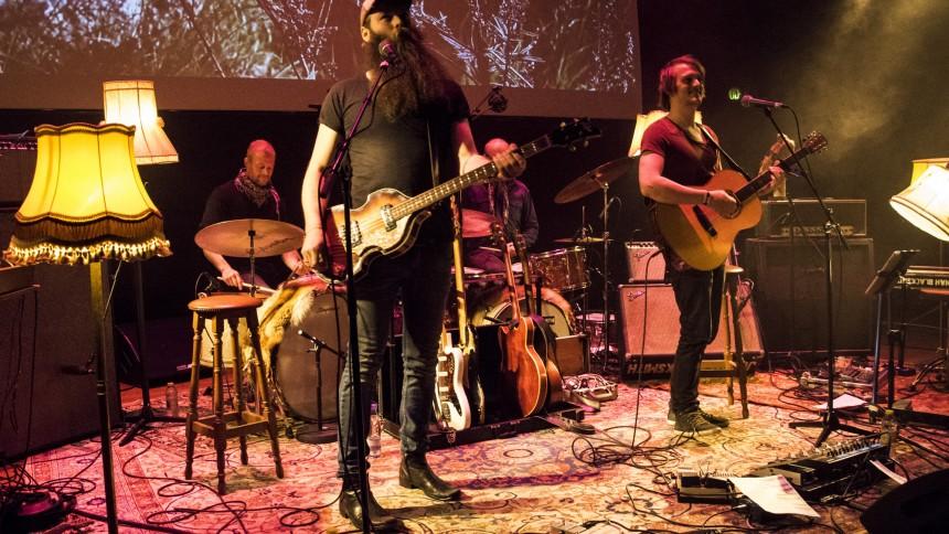 Jonah Blacksmith drager på turné i det nye år
