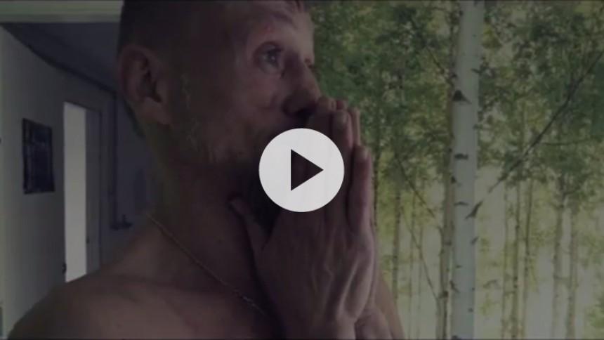 Kaliber støtter mandlige voldsofre med ny video