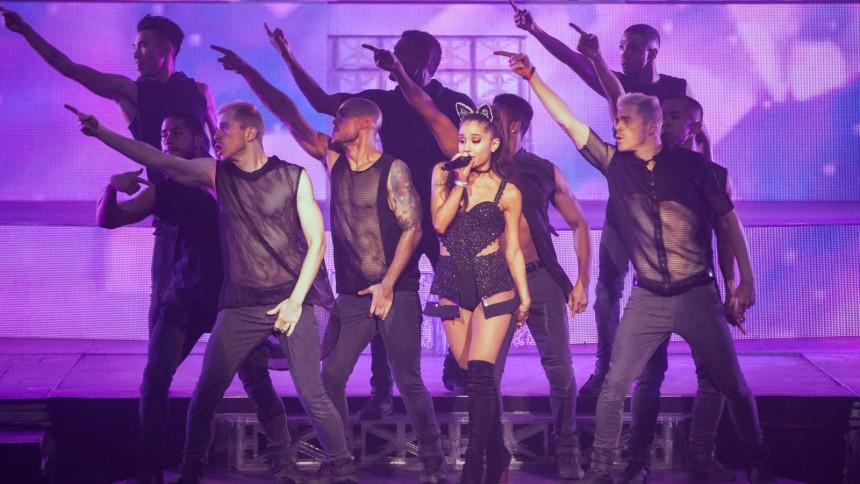 Lyt: Ariana Grande udgiver jule-ep