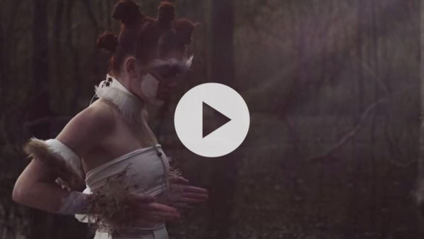 Se smuk video fra den danske dreampopper Lhuma