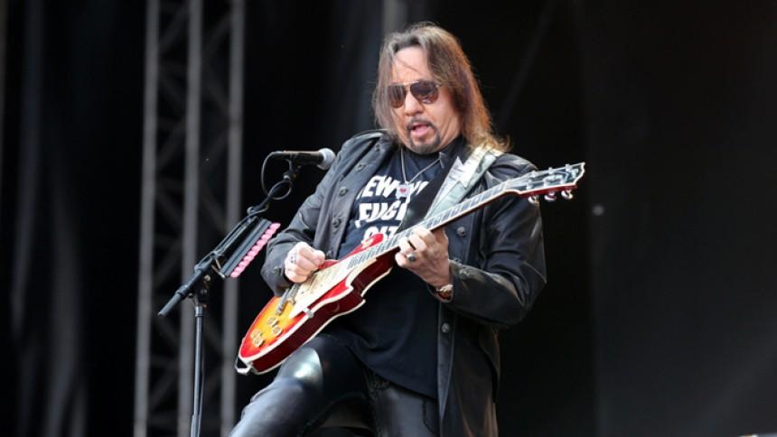Ace Frehley afslører krav for at medvirke på Kiss' afskedsturné