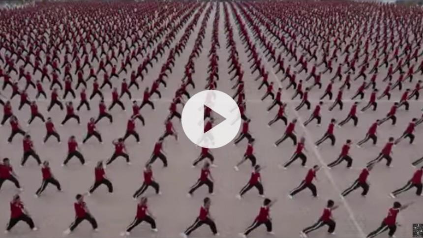 M.I.A. og Surkin's Gener8ion laver musikvideo med 36.000 kamp-kinesere