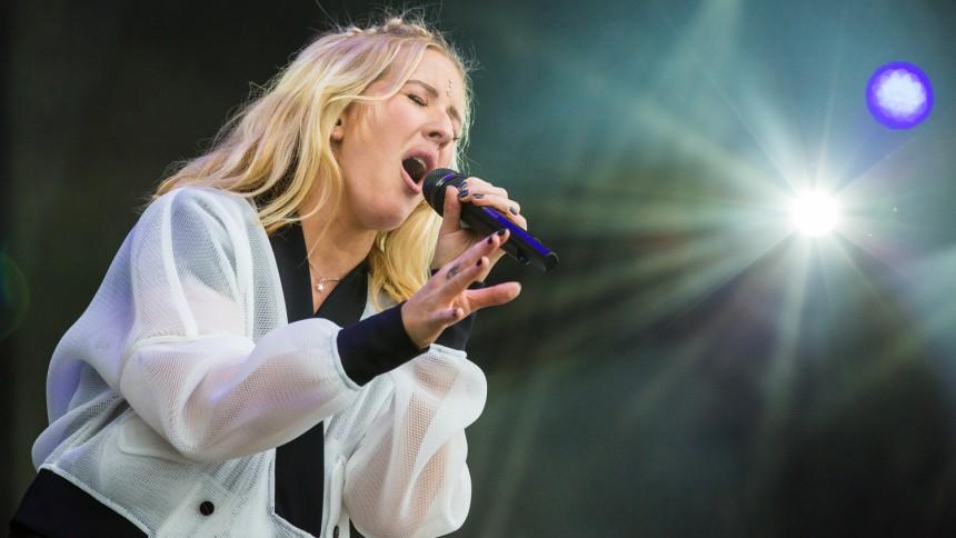 Ellie Goulding: Rød scene, Tinderbox