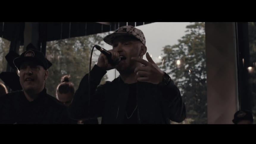 Ny musikvideo: Djämes Braun lytter ik' til dem