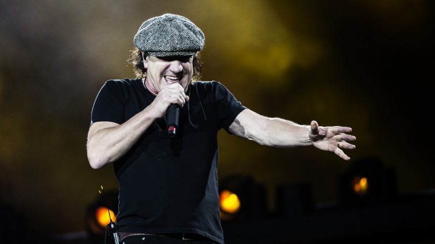 "AC/DC-sanger Brian Johnson udgiver selvbiografi – ""The Lives of Brian"""