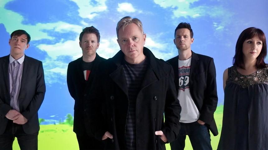 Lyt: New Order udgiver ny sang efter ti år