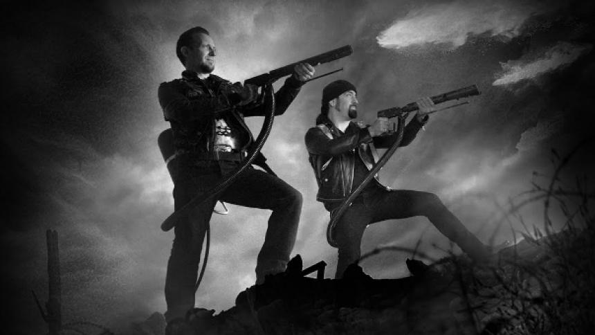 Volbeat bruger guitarer som flammekastere i stjernespækket film