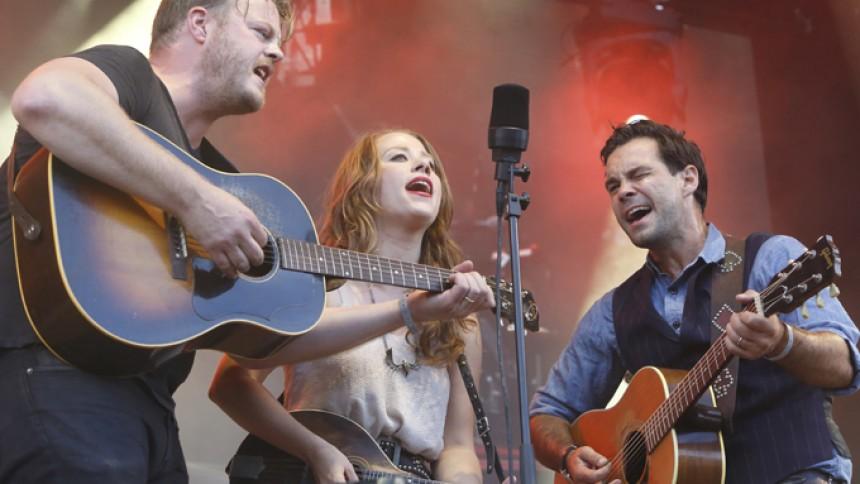 Tre internationale kunstnere til Jelling Musikfestival