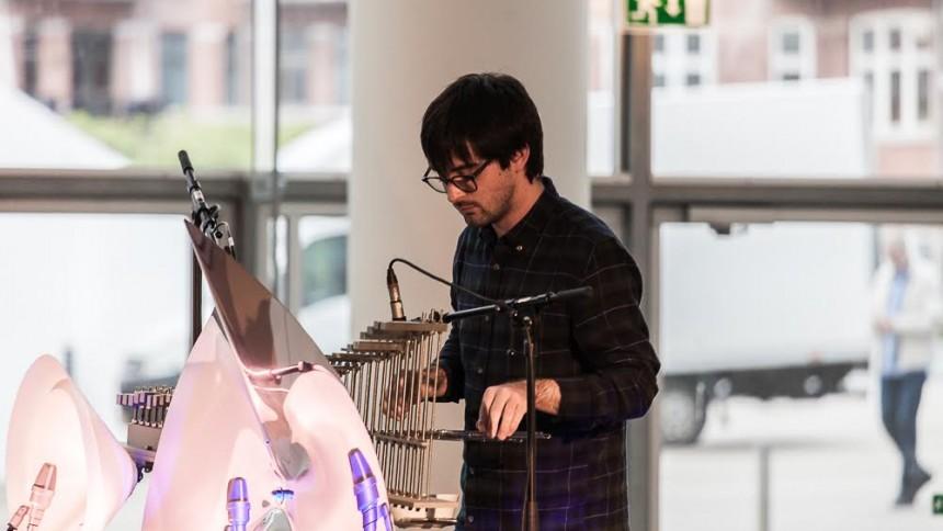 Jakob Bro og Mike Sheridan spiller og improviserer sammen i Aarhus i aften