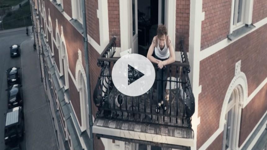 Se ny følsom video fra svenske Erik Hassle